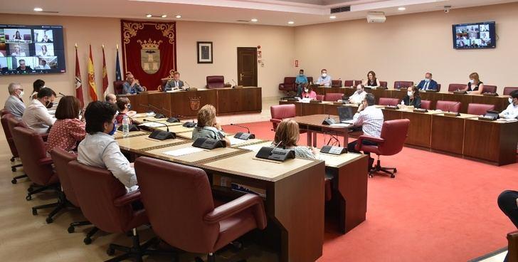 """La concejal de Hacienda del Ayuntamiento de Albacete califica el presupuesto aprobado como el de """"las personas"""""""