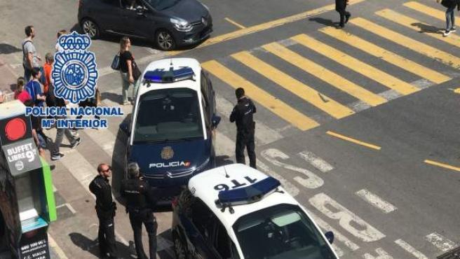 Imagen de archivo de una detención tras tirón de bolso.