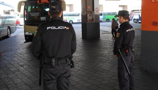 Detenida en Albacete una mujer de 35 años, con numerosos antecedentes, por robar varios coches