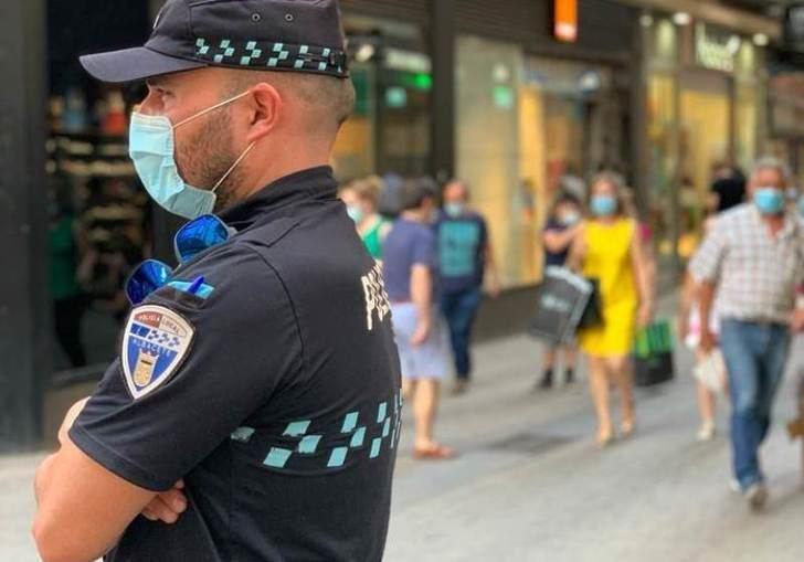 La Policía Local de Albacete, dispuesta a 'cazar' a cualquiera sin mascarilla