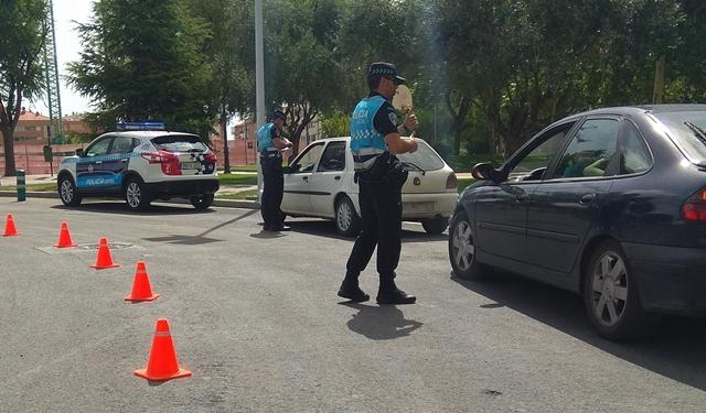 La Policía Local de Albacete participa en la contra las distracciones por el uso del móvil o el navegador
