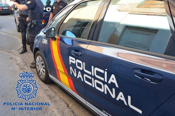 Detenido en Albacete un hombre al que se le imputan 20 robos en el interior de vehículos