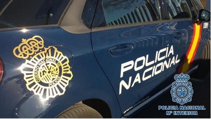 La Policía Nacional detiene a dos personas por robar varias guitarras electroacústicas en una iglesia de Albacete