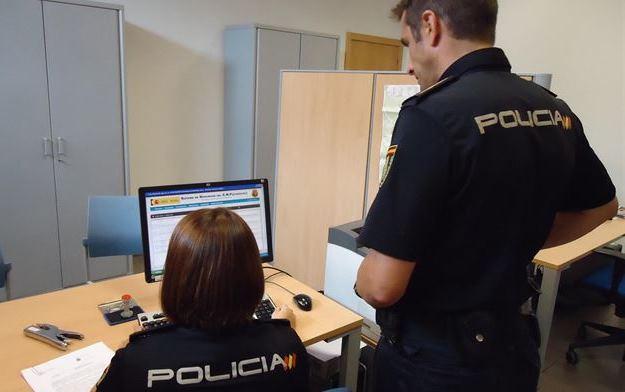 Detenidos dos jóvenes en Albacete por tenencia y distribución de pornografía infantil