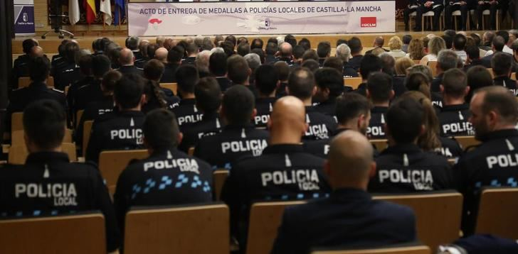 96 policías locales de Castilla-La Mancha reconocidos por su trayectoria o actuaciones meritorias