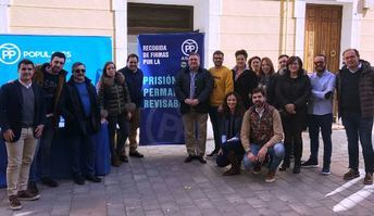 Francisco Núñez encabezó en Almansa la campaña en favor de la prisión permanente revisable.