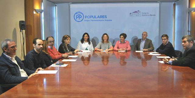 Duras críticas del PP de Castilla-La Mancha a Page a cuenta de la educación