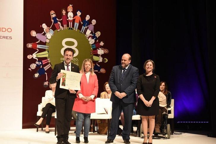 Amelia Valcárcel, Mabel Lozano y Sandra Sabatés serán reconocidas por la Junta con motivo del Día Internacional de las Mujeres