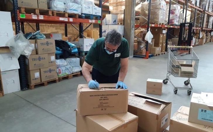Más de medio millón de artículos de protección a sanitarios enviados esta semana en Castilla-La Mancha