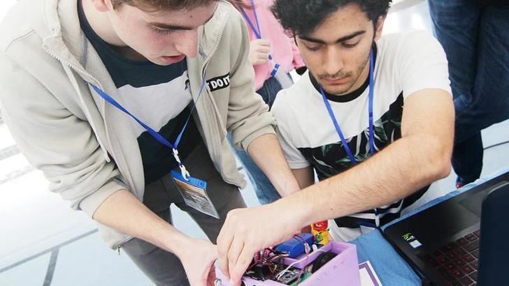 205 centros educativos de Castilla-La Mancha participarán el próximo curso en los proyectos STEAM, un 75% más