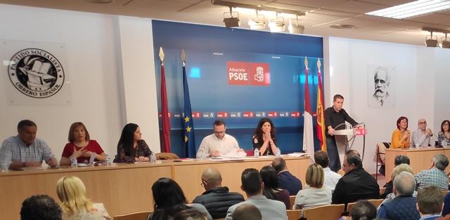 El PSOE 'sanchista' de Albacete no hace ni caso a las primarias y 'pasa factura' en las listas para las próximas elecciones