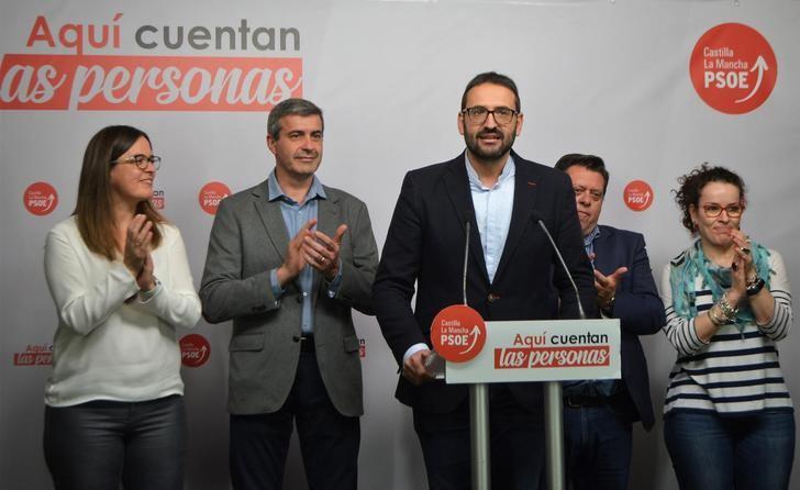La foto de la alegría de la noche electoral en el PSOE regional.
