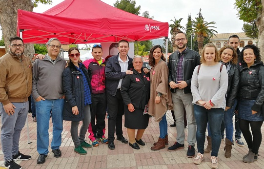 El PSOE de Albacete estuvo en Elche de la Sierra y habló de su apuesta por medidas para hacer frente al reto demográfico