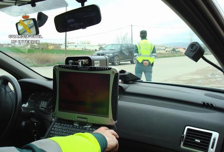 Detenida una persona de 60 años por conducir a 224 kilómetros por hora en la AP-36, en Cuenca