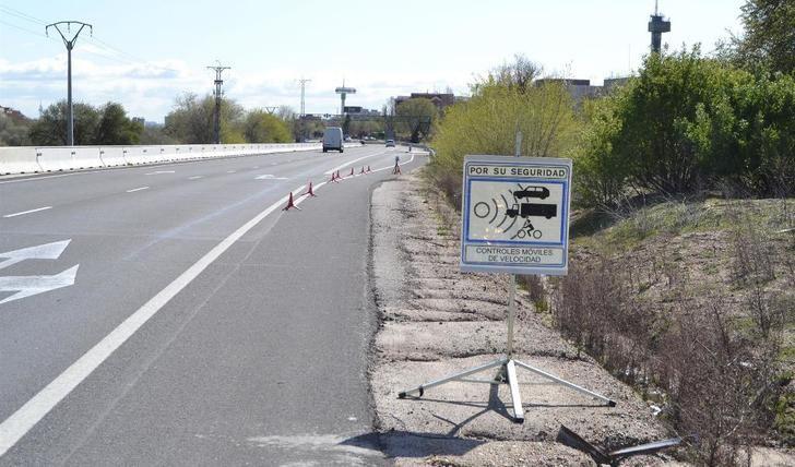 'Cazado' un conductor por circular a 180 kilómetros por hora en un tramo de 90 en Daimiel (Ciudad Real)