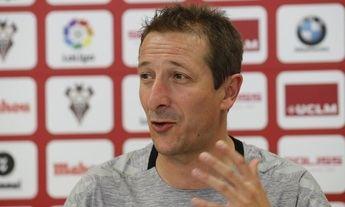 """Ramis, entrenador del Albacete, señala que """"seguir invictos no nos garantiza ganar el próximo partido'"""
