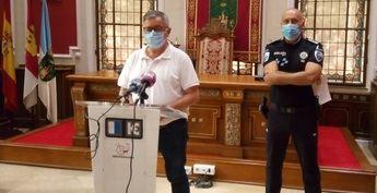Una fiesta ilegal en Hellín (Albacete), con 200 personas de diversas edades, puede acabar con multas personales de hasta 1.500 euros