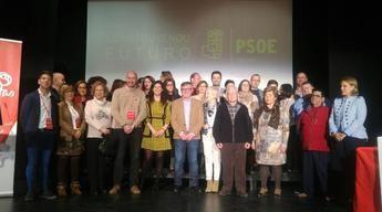 Ramón García y la nueva ejecutiva del PSOE de Hellín.