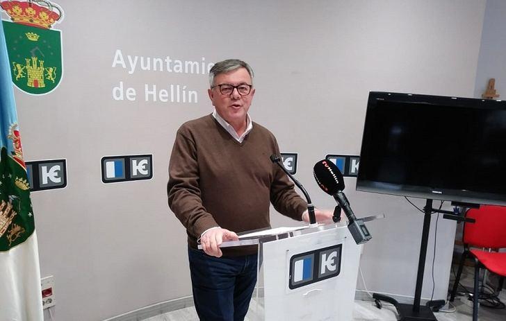 El alcalde de Hellín declara en el juzgado tras la denuncia por precintar una instalación en el polígono La Fuente
