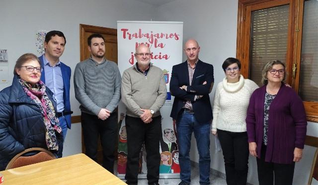 190 familias vulnerables de Caudete (Albacete) serán atendidas por programas de la Junta y Cáritas