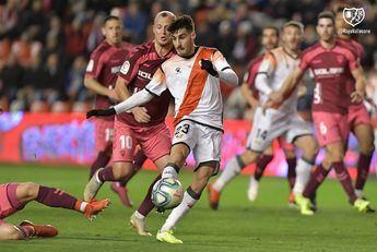 El partido entre el Rayo y Albacete Balompié se suspende por insultos a Zozulya