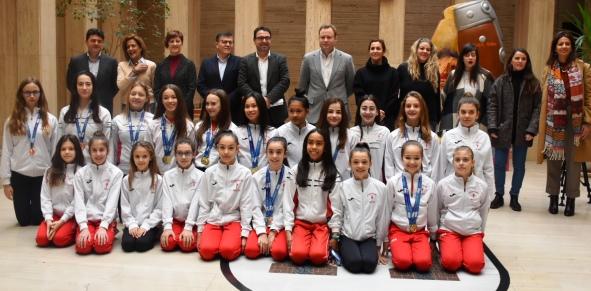 El Ayuntamiento de Albacete reconoce el trabajo de las gimnastas del Club Palas