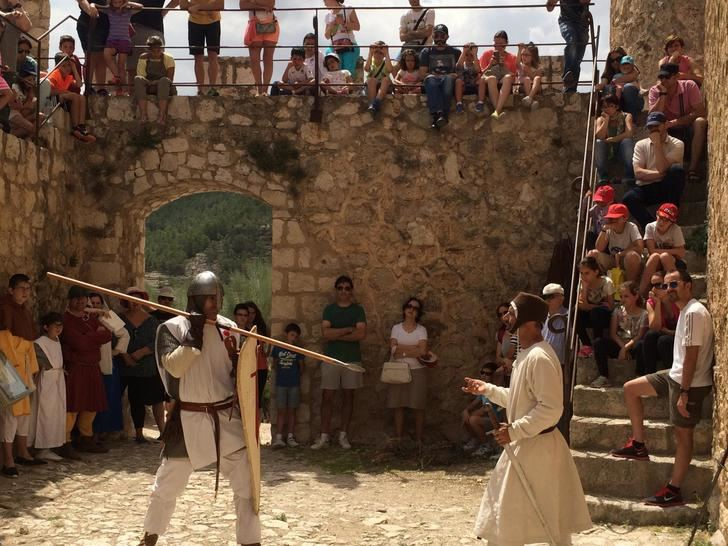 Todo preparado para la VI Recreación Histórica del siglo XIII en el Castillo de Alcalá del Júcar