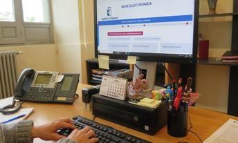 Castilla-La Mancha crea un Registro de Personal Funcionario Habilitado para impulsar la administración electrónica en la Junta
