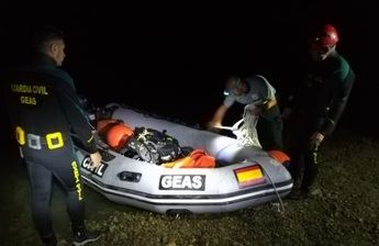 Los GEAS de la Guardia Civil rescatan el cuerpo sin vida de una mujer que cayó con su coche al embalse en Alarcón (Cuenca)
