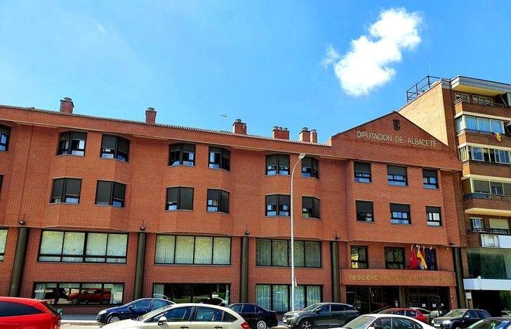 Castilla-La Mancha publica las medidas a aplicar en centros sociales de la región con novedades en aforos, salidas, visitas e ingresos