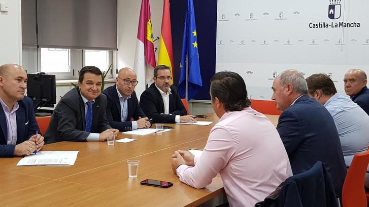 La Junta de Castilla-La Mancha inicia planificación de agua con Federación de Regantes de la región