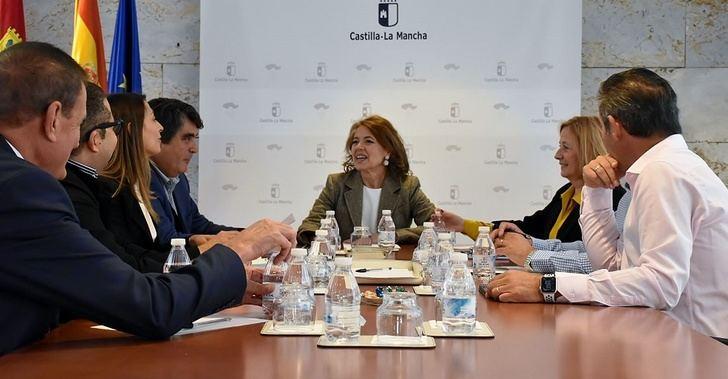 La consejera de Bienestar Social de Castilla-La Mancha se reúne con las asociaciones de residencias de tercera edad