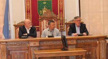 Reunión de la Junta de Seguridad convocada con motivo de las Jornadas Nacionales de Exaltación del Tambor y el Bombo de Hellín
