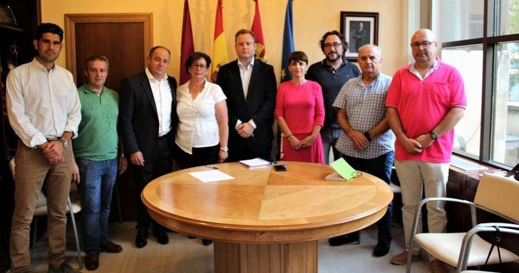 La Junta de Castilla-La Mancha comienza a restablecer los servicios de autobuses en las pedanías de Albacete