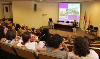 El hospital de Albacete imparte un curso de prevención de riesgos laborales en la cocina