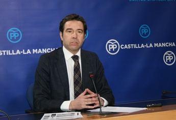 El portavoz del PP tuvo duras críticas para el director de la CMM