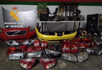 Cuatro detenidos por robar piezas de vehículos de un desguace de Villarrobledo que luego vendían en Internet