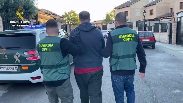 Detenido un hombre por robar en una gasolinera de Seseña (Toledo) y encañonar a los clientes y la empleada de la misma