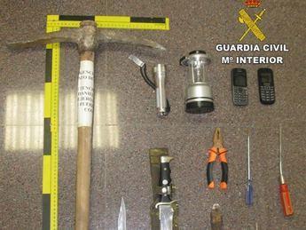 Detenidos cuatro hombres mientras robaban material de una obra en Toledo