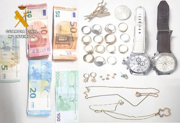 La Guardia Civil de Villamalea detiene a un albanés con documentación falsa por robos de dinero y joyas