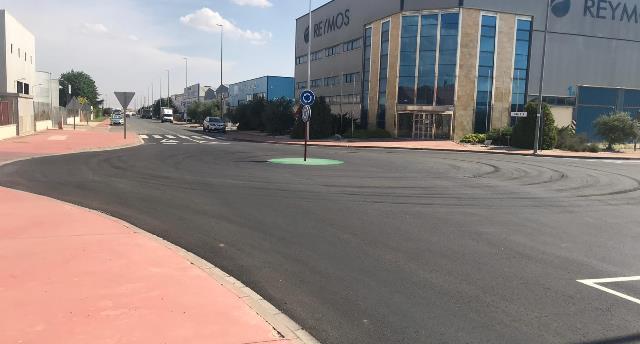 Mejoras en un cruce del polígono industrial de Romica para favorecer la fluidez en el tráfico