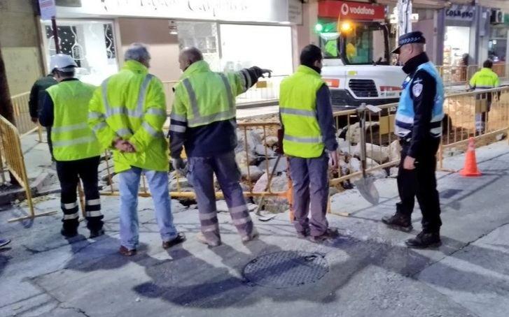 Imagen del incidencia del escape de gas por rotura de la canalización en la calle Caba.