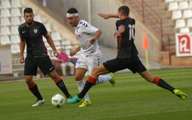 El centrocampista Rovirola rescinde contrato con Albacete Balompié buscando
