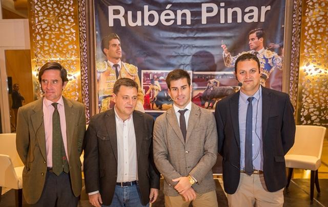 El torero Rubén Pinar estrena apoderados, de la empresa Tauromoción, y los presenta en Albacete