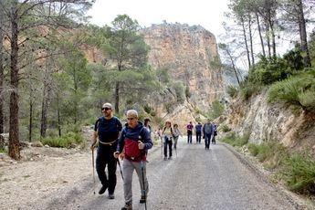 Las rutas de senderismo de la Diputación llegaron a la Manchuela este fin de semana, en Casas de Ves y Alborea