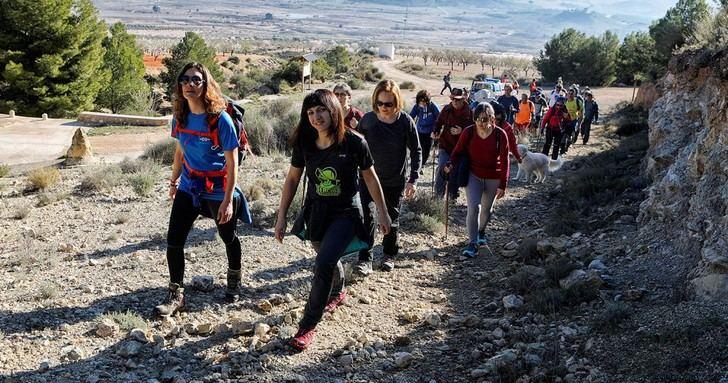 Impresionante día en Ontur con la VI de las rutas de senderismo de la Diputación de Albacete