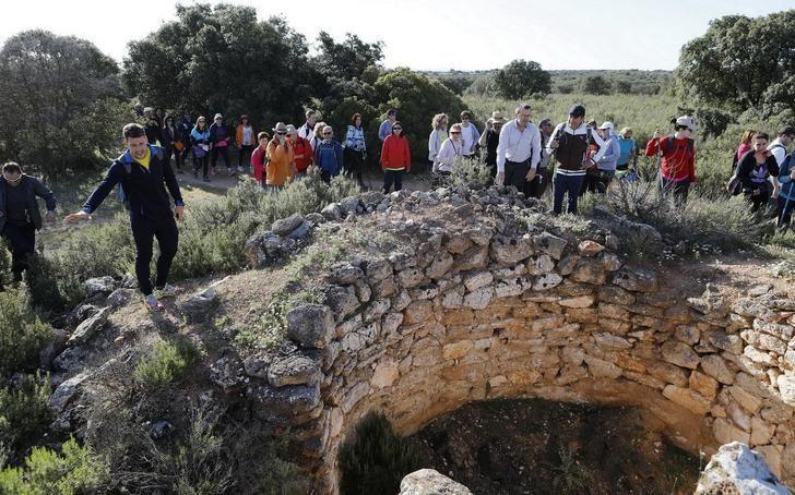 Los participantes de las rutas de senderismo de la Diputación disfrutaron de una parte de Villarrobledo que desconocían