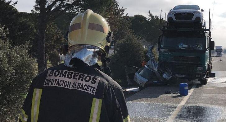 Dos fallecidos en San Clemente (Cuenca) en un accidente mortal frente al restaurante La Esperanza