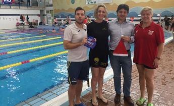 La San Silvestre acuática de Albacete cumple su cuarta edición, en la piscina Juan de Toledo