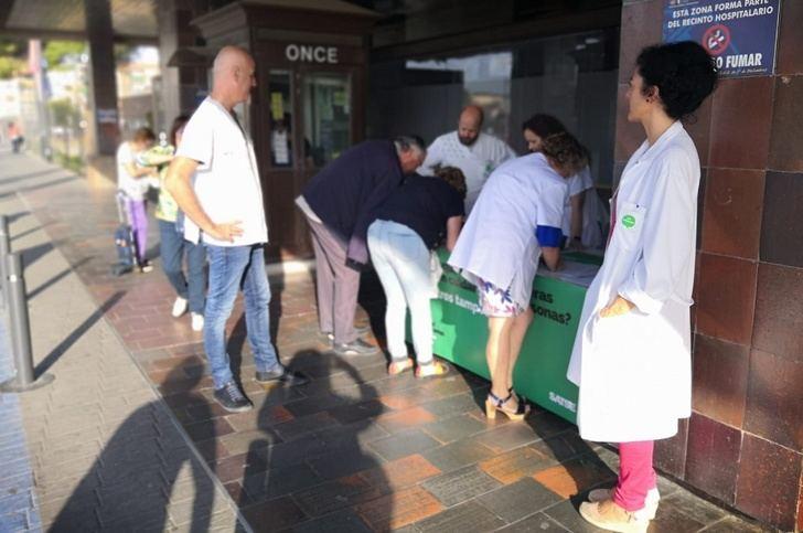 Nueva recogida de firmas en Albacete del sindicato SATSE para la Ley de Seguridad del Paciente